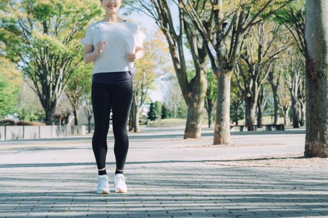 運動不足が原因で、年間5万人の日本人が死亡している。の画像